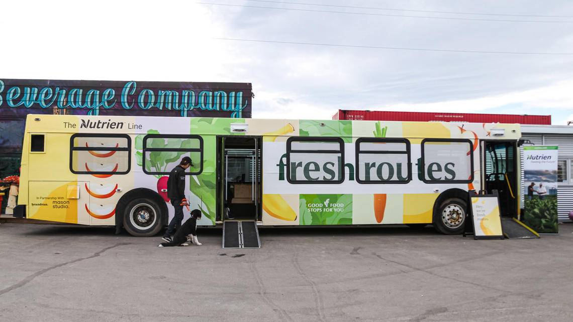 Fresh Routes bus